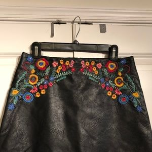 ZARA FLORAL EMBROIDERED LEATHER SKIRT